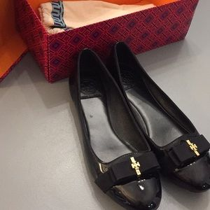 Tory Burch Black Leather Bow Flats
